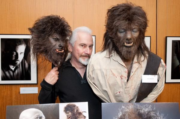 O pioneiro da maquiagem Rick Baker com o trabalho de O Lobisomem, que lhe rendeu seu último Oscar (photo by dailyredcarpet.com)