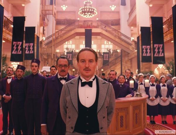 O belo trabalho de Adam Stockhausen em O Grande Hotel Budapeste (photo by elfilm.com)