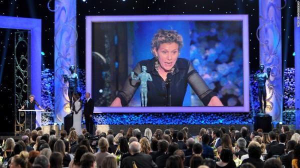 Frances McDormand discursa pelo prêmio de atriz (photo by cnn.com)
