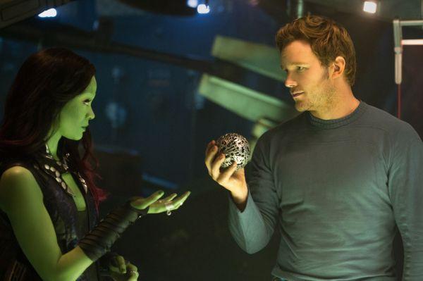 Zoe Saldana e Chris Pratt em cena de Guardiões da Galáxia (photo by outnow.ch)