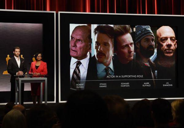 Chris Pine a presidente da Academia Cheryl Boone Isaacs anunciam os indicados ao Oscar (photo by http://cdn4.hoy.com.do)