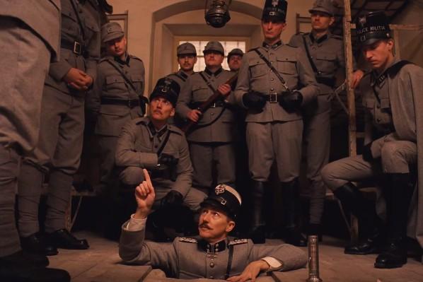Edward Norton em cena de O Grande Hotel Budapeste (photo by cinemagia.ro)