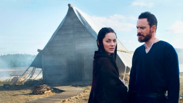Marion Cottilard e Michael Fassbender formam o casal MacBeth no filme homônimo. (photo by vaiety.com)