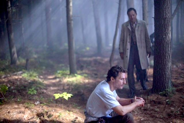 Matthew McConaughey e Ken Watanabe formam uma dupla nessa história de suicídio em The Sea of Trees, de Gus Van Sant (photo by filmserver.cz)