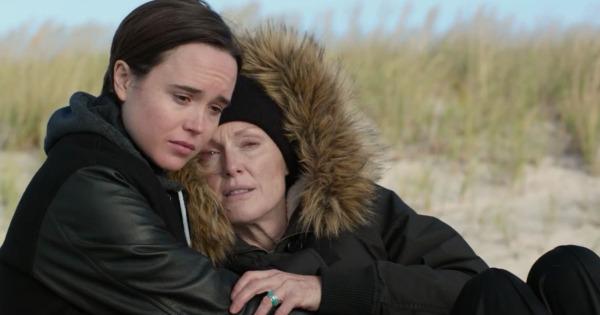 Ellen Page e Julianne Moore em cena de Freeheld