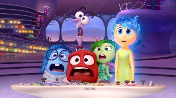 As emoções Tristeza, Raiva, Medo, Nojinho e Alegria em cena de Divertida Mente (photo by outnow,ch)