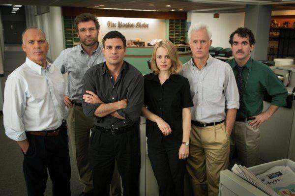 Da esquerda pra direita: Michael Keaton, Liv Schreiber, Mark Ruffalo, Rachel McAdams... em Spotlight (photo by outnow.ch)
