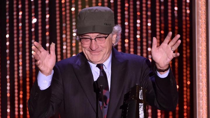 O homenageado Robert De Niro na cerimônia da Hollywood Film Awards (photo by telegraph.co.uk)