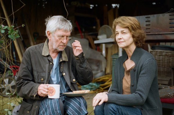 Tom Courtenay em cena com Charlotte Rampling em 45 Anos, de Andrew Haigh (photo by outnow.ch)