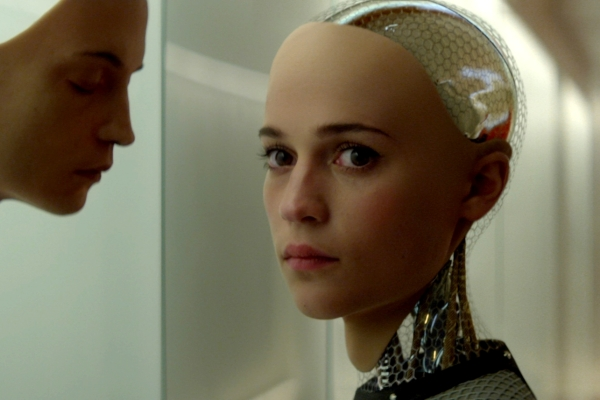 Alicia Vikander como Ava em Ex-Machina: Instinto Artificial (photo by cinemagia,ro)