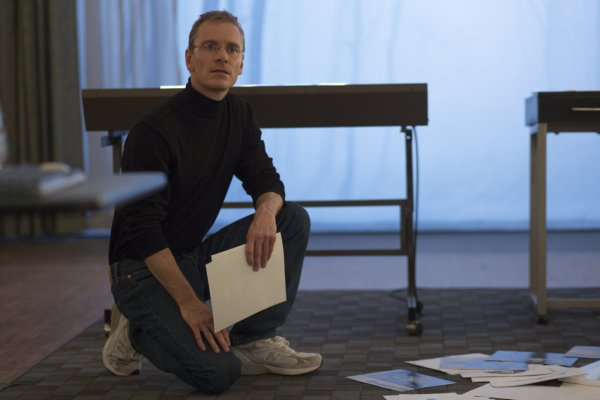 Michael Fassbender como o criador da Apple em Steve Jobs (photo by outnow.ch)