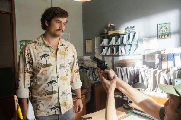 Wagner Moura em cena da série Narcos da Netflix (photo by cinemagia.ro)