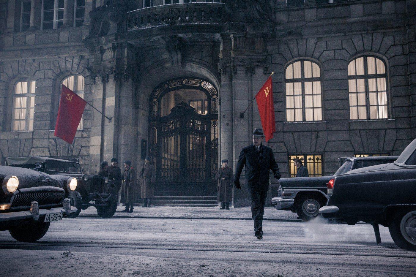 Tom Hanks em cena de Ponte dos Espiões (photo by outnow.ch)