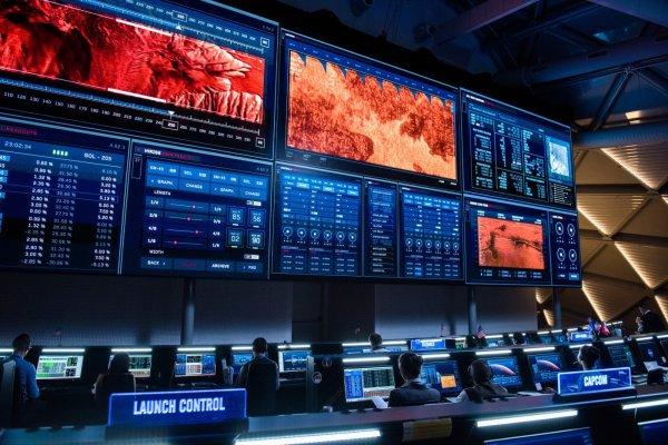 Sala de controle da Nasa por Arthur Max em Perdido em Marte (photo by cinemagia.ro)