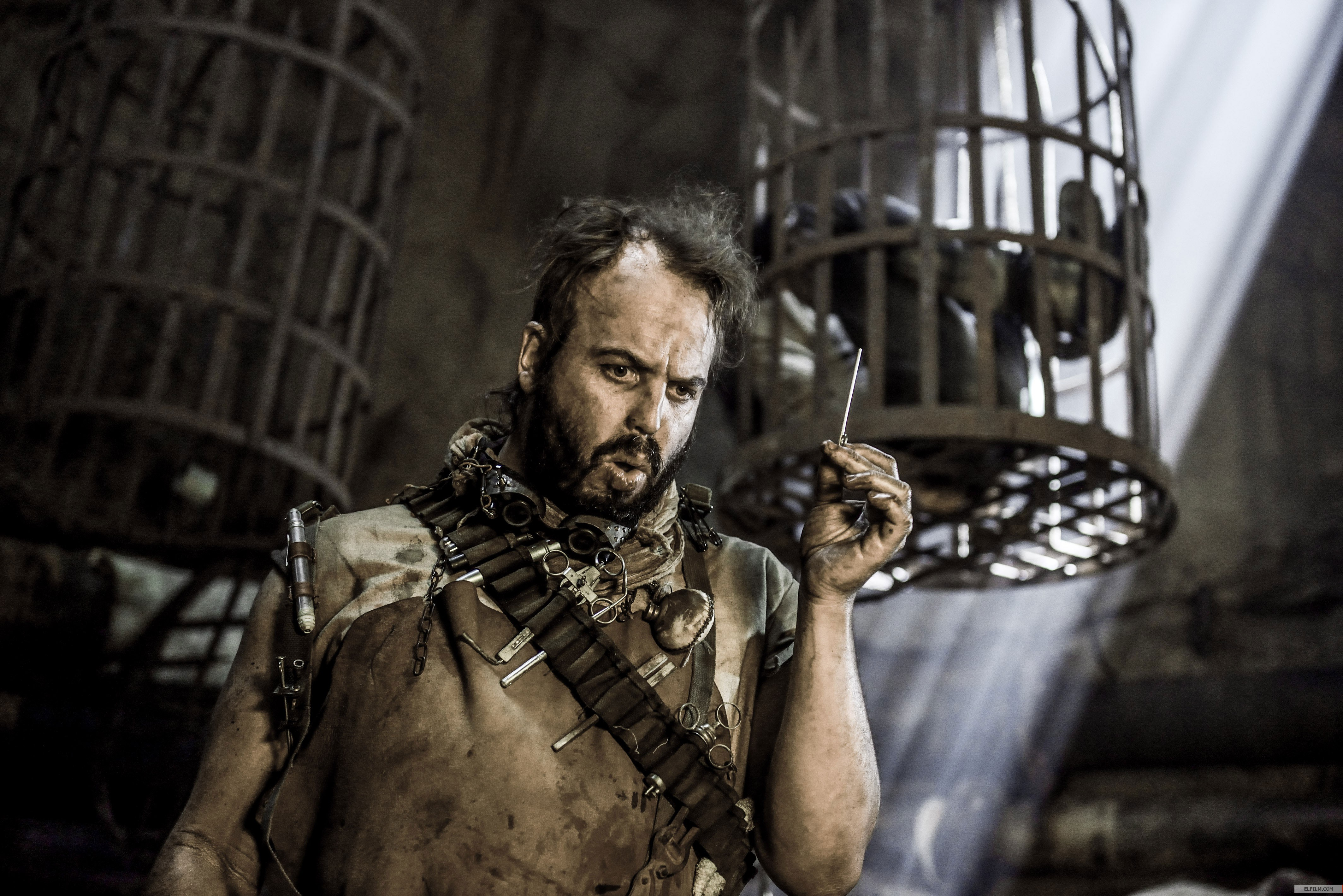 Direção de arte de Colin Gibson de Mad Max: Estrada da Fúria (photo by elfilm.com)