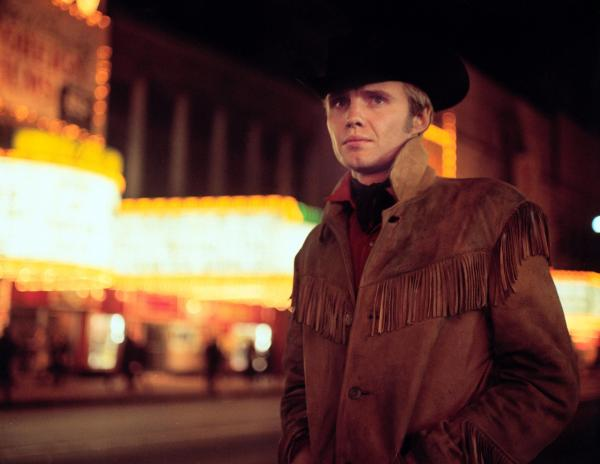 Jon Voight como Joe Buck em cena de Perdidos na Noite, de John Schlesinger (photo by metropolisvintageonline.com)