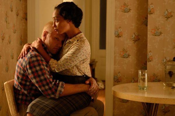 Joel Edgerton e Ruth Negga fazem um casal interracial em Loving, de Jeff Nichols (photo by cine.gr)