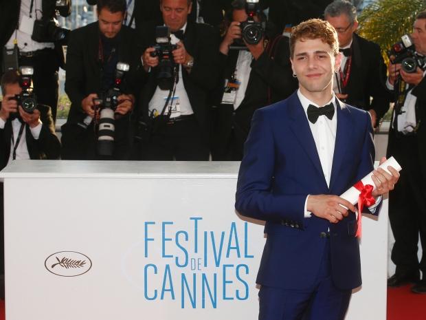 O jovem diretor Xavier Dolan, quando ganhava o Prêmio do Júri em Cannes de 2014. Além de canadense, ele tem apenas 27 aninhos. (photo by proibidoler.com)