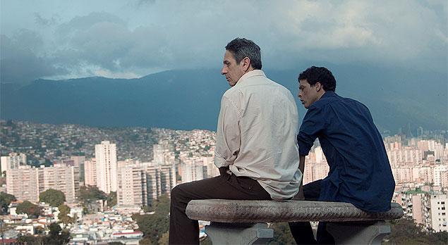 Cena do filme venezuelano De Longe te Observo, de Lorenzo Vigas. Trata-se de um bom drama, mas a temática homossexual pode enfraquecer sua campanha (photo by cine.gr)