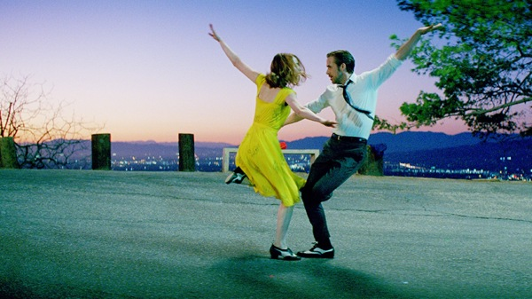Coreografia do musical de Damien Chazelle, La La Land, com Ryan Gosling e Emma Stone (photo by cine.gr)