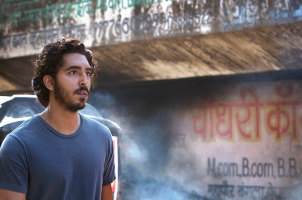 Dev Patel em cena de Lion (photo by cine.gr)