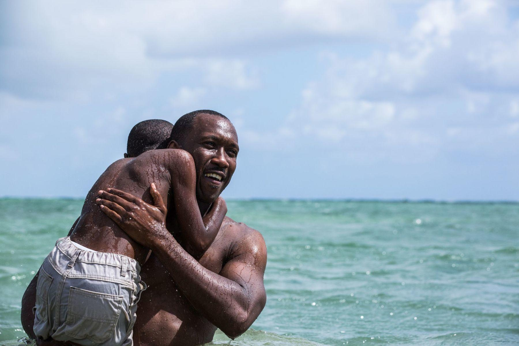 Mahershala Ali em cena de Moonlight (photo by moviepilot.de)