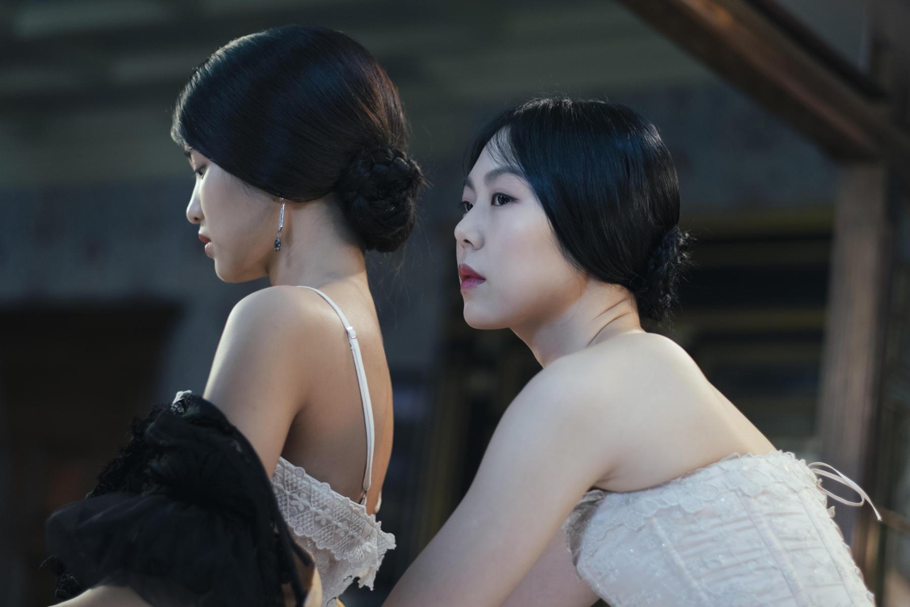 Tae-ri Kim e Min-hee Kim no deslumbrante The Handmaiden, de Park Chan-wook (photo by moviepilot.de)