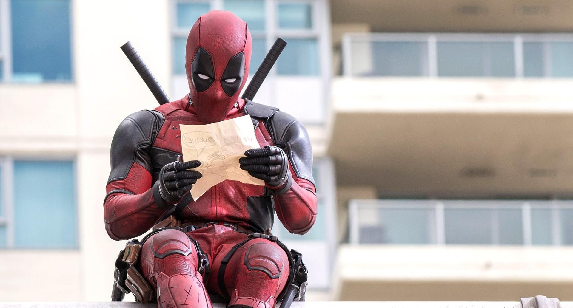 Ryan Reynolds na pele deformada de Deadpool (pic by moviepilot.de)