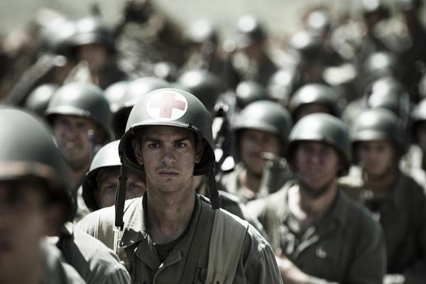 Andrew Garfield protagoniza Até o Último Homem, novo trabalho de Mel Gibson na direção (photo by moviepilot.de)