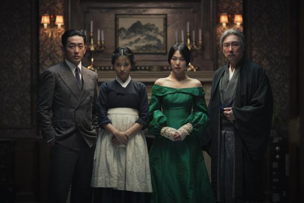 handmaiden-mit-jin-woong-jo-min-hee-kim-und-tae-ri-kim