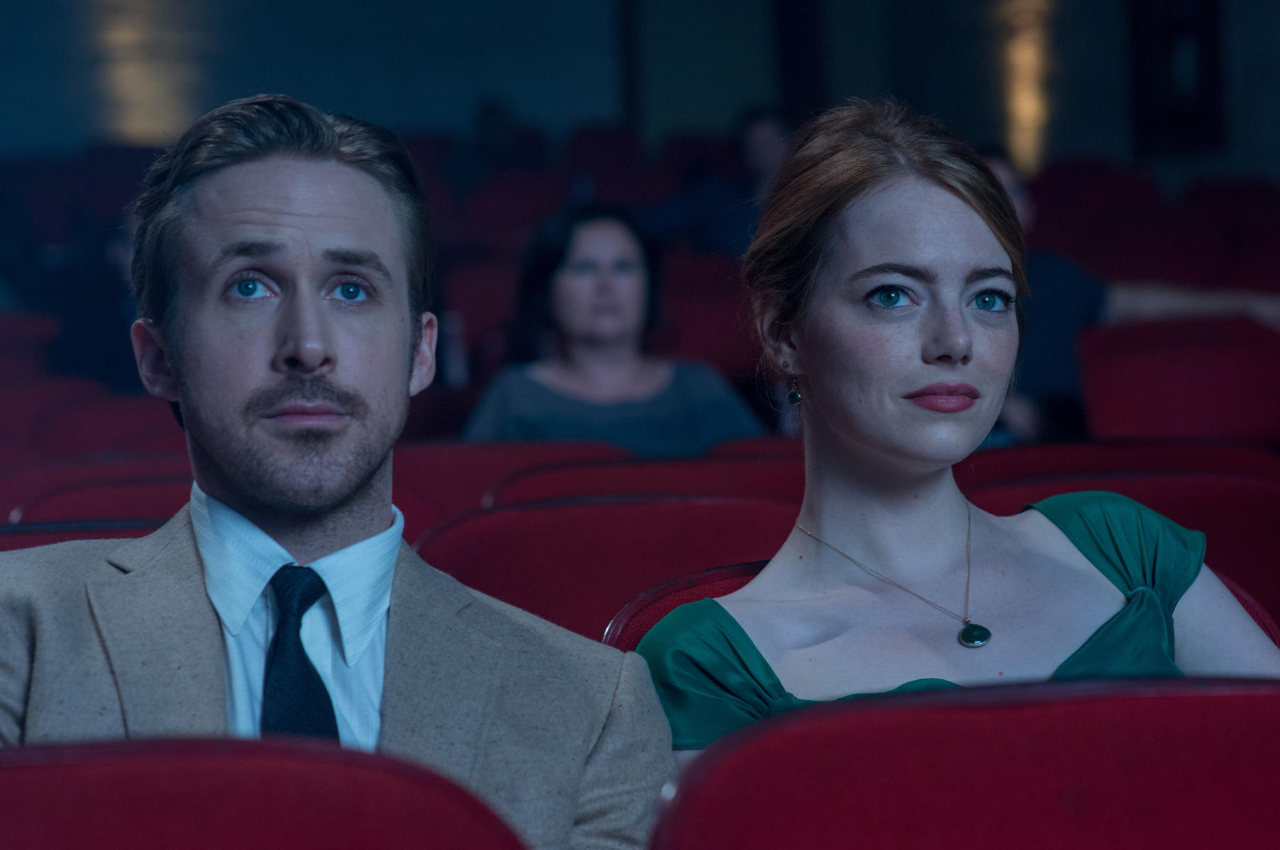 Ryan Gosling e Emma Stone em cena do musical La La Land, de Damien Chazelle, vencedor de oito Critics' Choice Awards (pic by moviepilot.de)