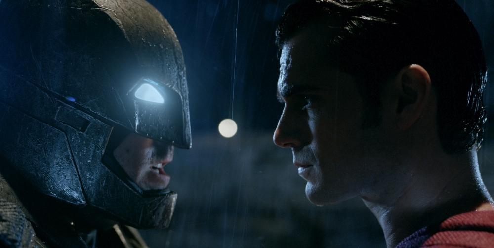 batman-v-superman-dawn-of-justice-mit-henry-cavill