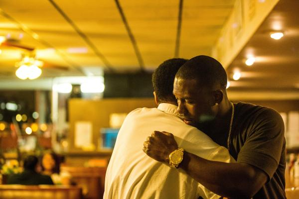 A fotografia de James Laxton expõe as fases da vida do protagonista em Moonlight: Sob a Luz do Luar (pic by moviepilot.de)