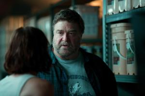 10-cloverfield-lane-mit-john-goodman
