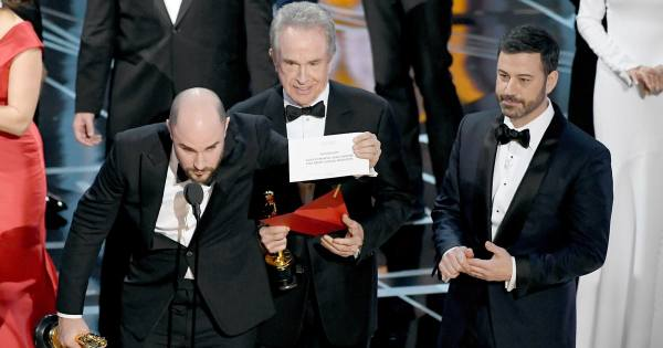 moonlight-mistake-la-la-land-oscars-2017-4c9f107a-c74f-4680-91fd-44a0df7cd59c