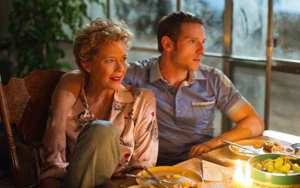 annette-bening-and-jamie-bell-film-stars-xlarge
