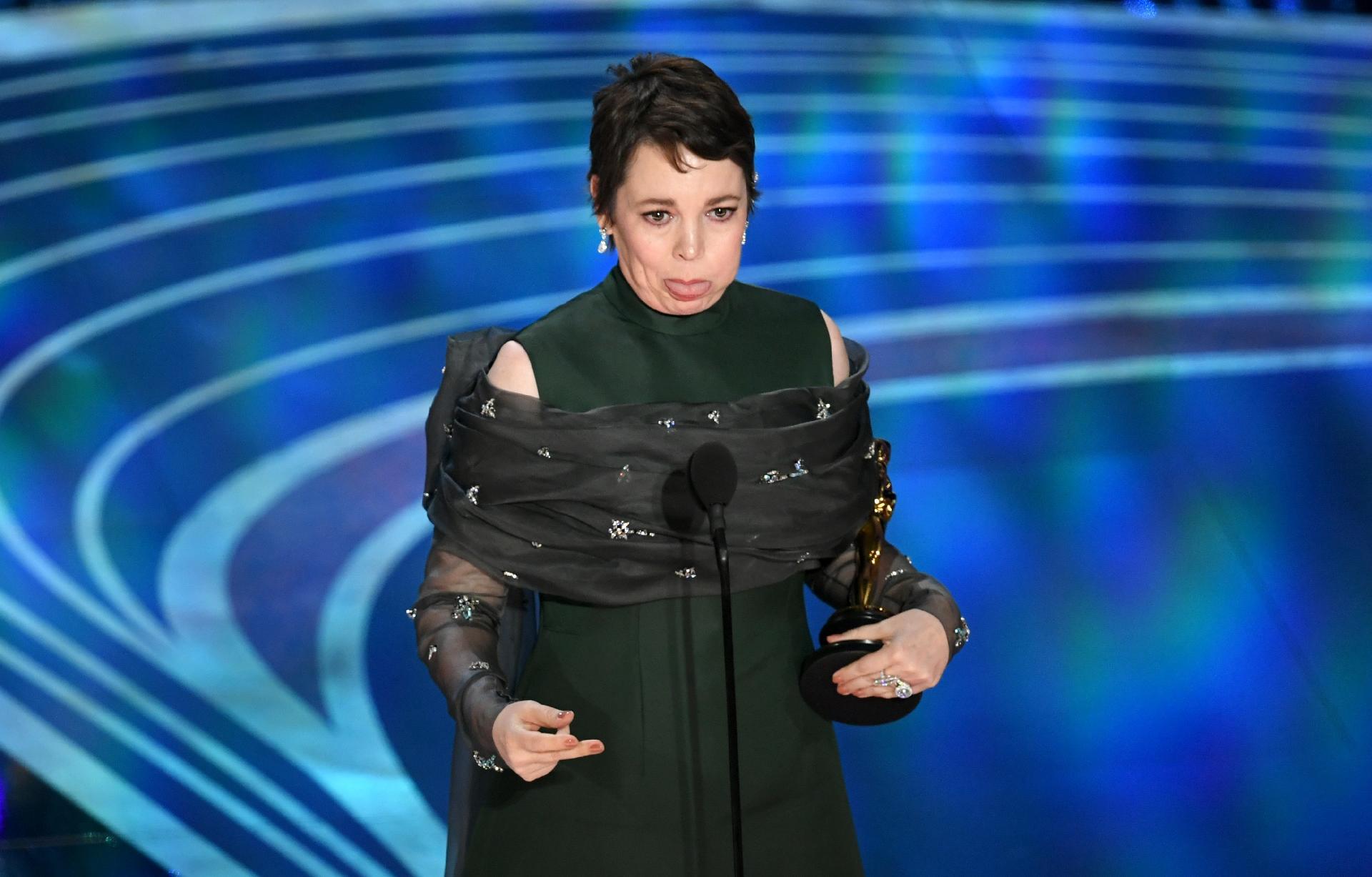 olivia-colman-faz-careta-ao-ganhar-o-oscar-de-melhor-atriz-por-a-favorita-1551067696597_v2_1920x1227